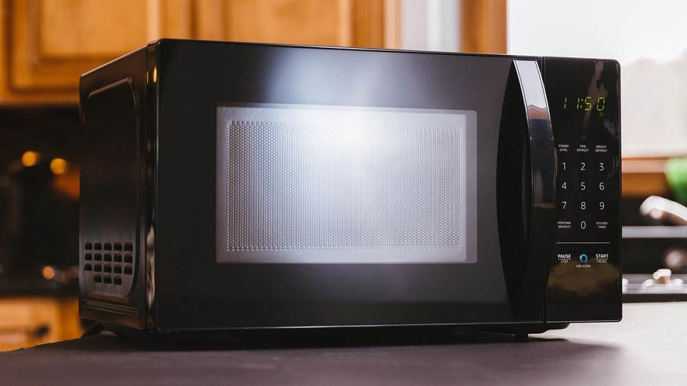 how many amps does an 1100 watt microwave use